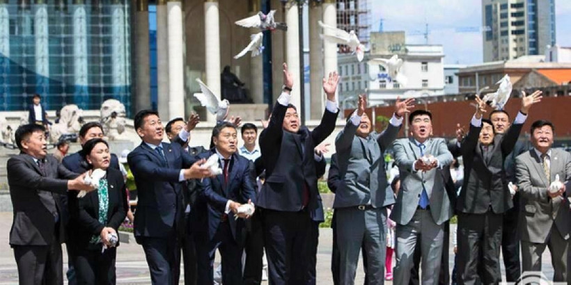 The MPP leaders doing a dove release ceremony before the 2016 election